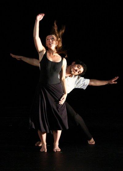 Emilie-Tyrou-Danseuse-Interprète-Chorégraphe-Enseignante